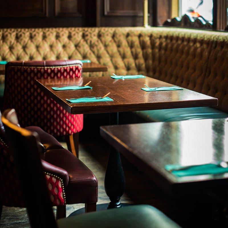 Paddys Zurich Tables Restaurant